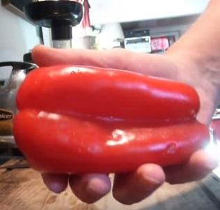 Málokdo ví, že super zdrojem vitamínu C je červená paprika...