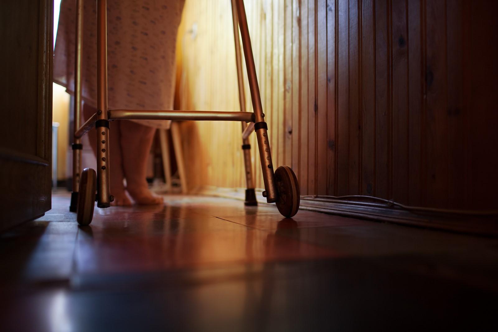 Jak usnadnit život lidem se sníženou pohyblivostí? Nemusíte vlastnit ani lékařský nábytek